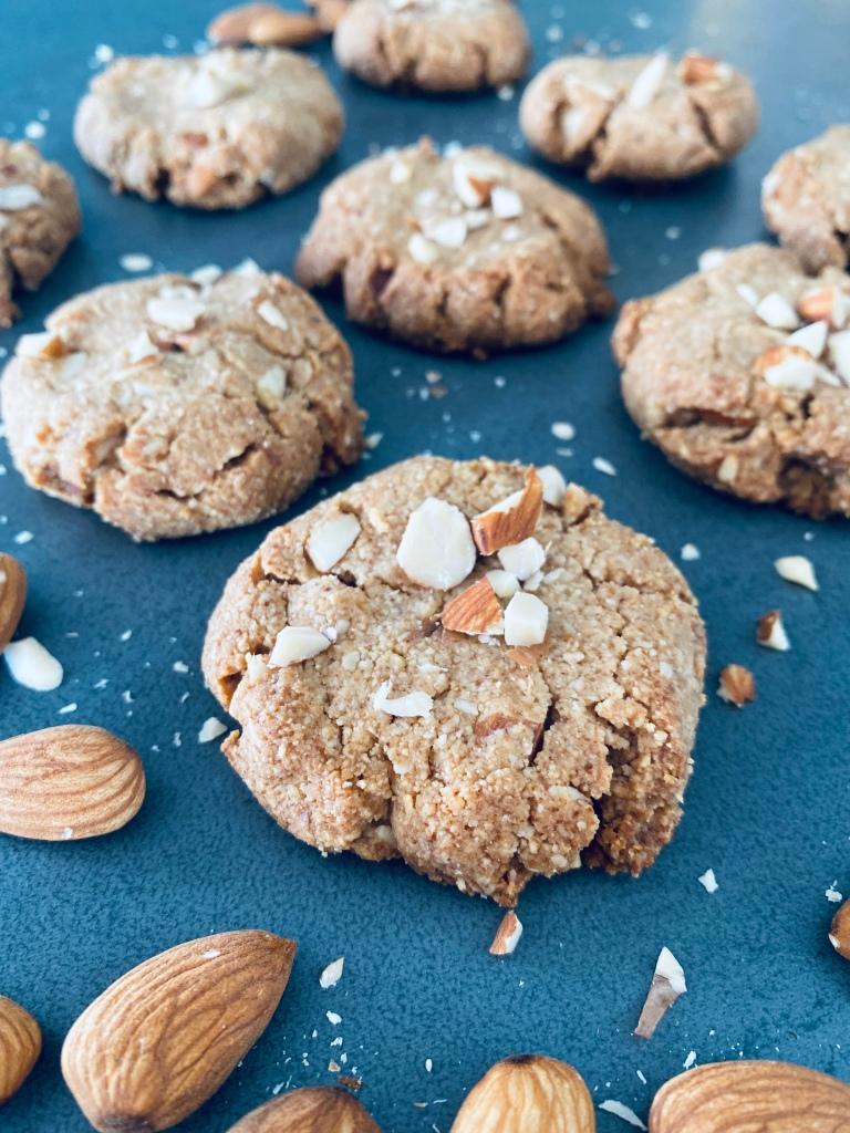 Almond Cookies Sugar-free and Vegan