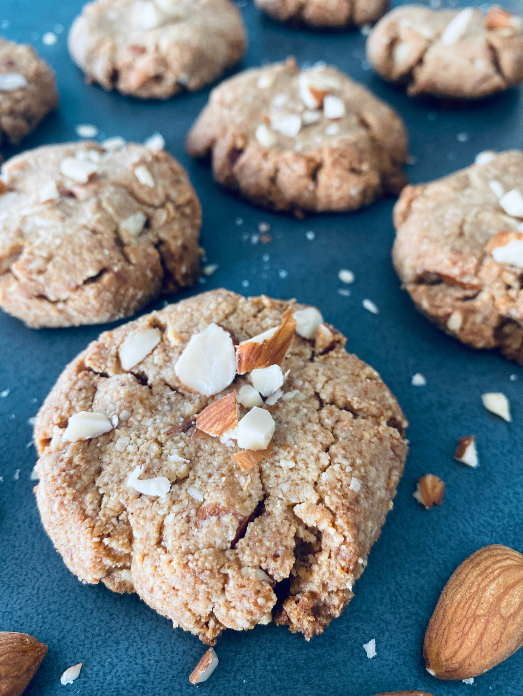 Sugar-free and Vegan Almond Cookies