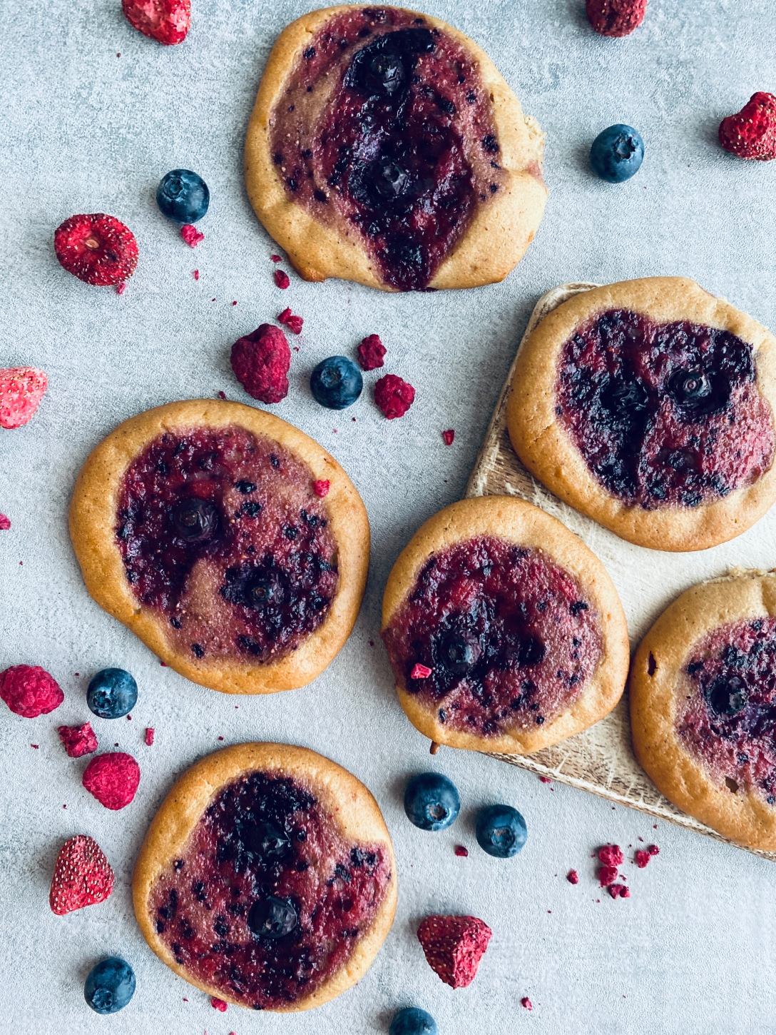 Healthy Berry Buns with Strawberries and Blueberries