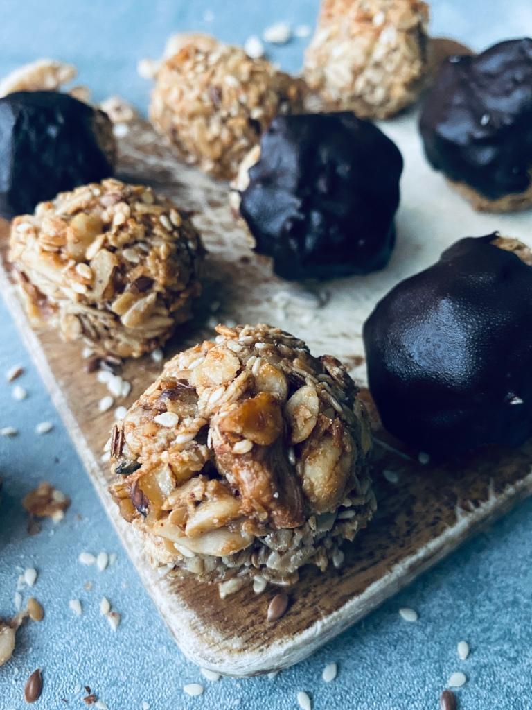 Crunchy Garnola Cookies